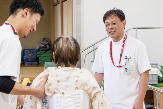 中日新聞リンクト 21号記事「松阪市民病院(病院を知ろう)」