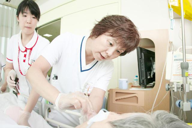 中日新聞リンクト 23号記事「JCHO中京病院(シアワセをつなぐ仕事)」